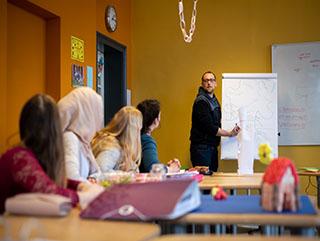 Noch freie Plätze in der 1. Klasse der Berufsfachschule für Sozialpädagogische Assistent*innen